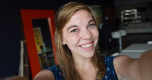 amelia-selfie